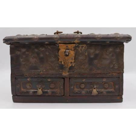 Antique Chinese Jewelry Box.