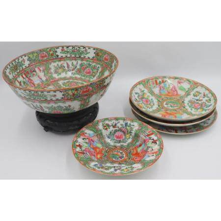 Grouping of Chinese Export Porcelain.