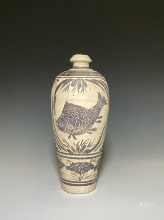 磁州窯草魚紋花瓶