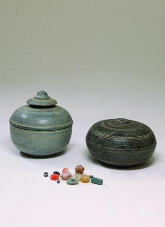 石雕舍利盒二件