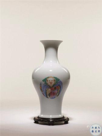 清雍正 粉彩一團和氣花瓶