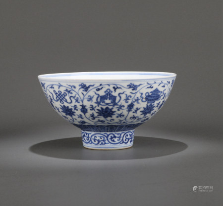 A CHINESE BLUE AND WHITE BOWL, XUANDE MARK BUT QING DYNASTY