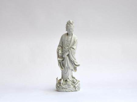 A Chinese blanc de Chine porcelain figure of Guanyin, the Bodhisattva of Compassion (af), 36.5cm
