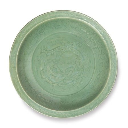 A LARGE INCISED 'LONGQUAN' CELADON-GLAZED 'FIVE-CLAWED DRAGON' DISH,  EARLY MING DYNASTY