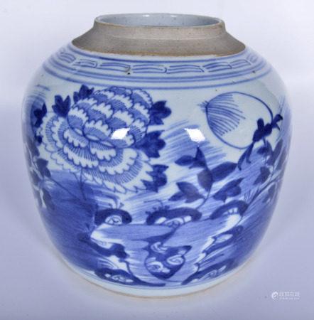 清 青花花卉紋罐