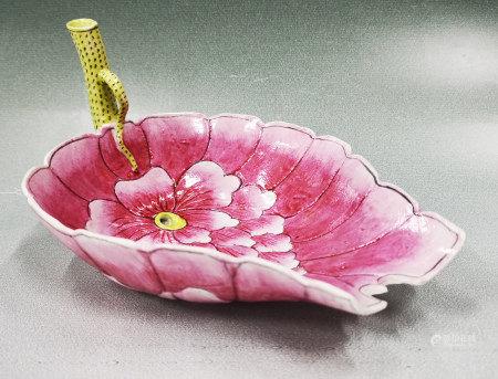粉彩秋操杯