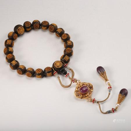 A Chinese Chenxiang Wood Beads Bracelet