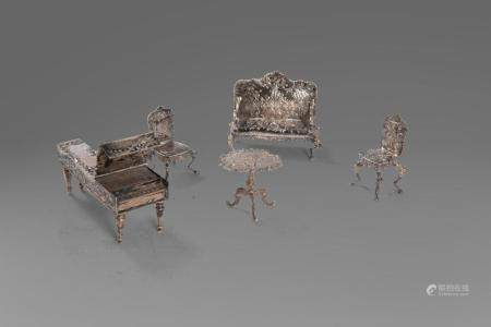 Lot of 5 miniature silver furniture: a piano, two chairs, a