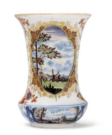 EARLY, SMALL VASE  - Meissen, ca. 1725.  - Shaped like a type of Chinese vase, with [...]