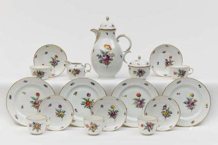 A 39-piece coffee and tea service - Nymphenburg, 1975 - 1997