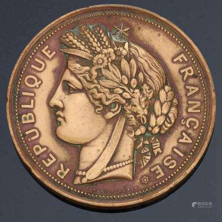 1887. Médaille en bronze de l'Exposition de 1887 à Hanoï. Sur l'Avers: Tête [...]