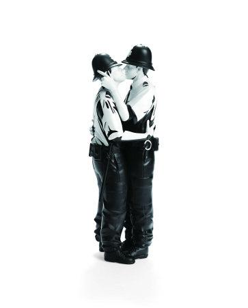 Banksy Kissing Cops (2019)
