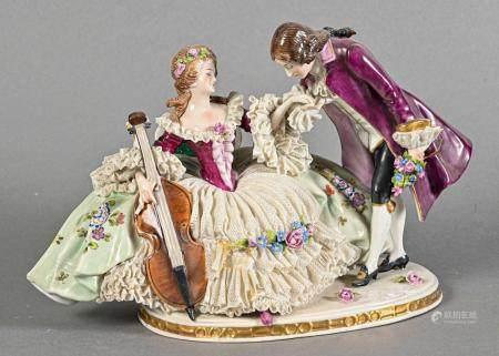 SAXE Couple de musiciens, groupe en porcelaine polychrome  Fin du XIXe siècle  Petits accidents