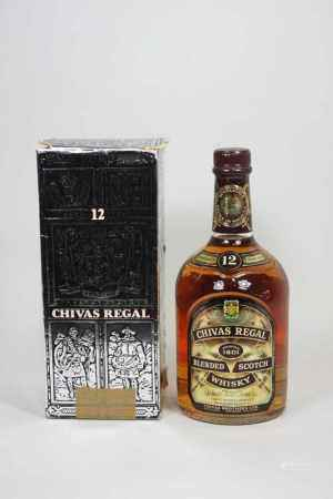 Flasche Chivas Regal Scotch Whiskey, 75 cl., 43% vol. im original Karton.