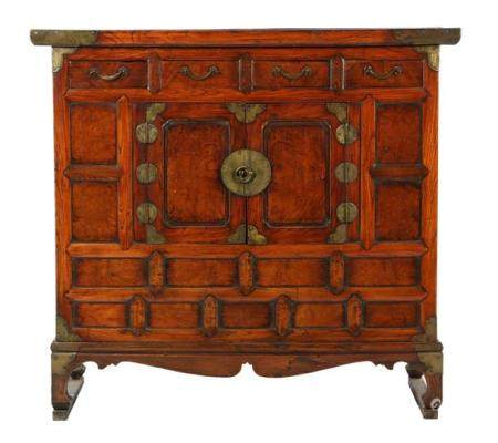 Chinese cabinet made of several types of wood with 4 drawers, 2 doors and brass fittings 91 cm high,