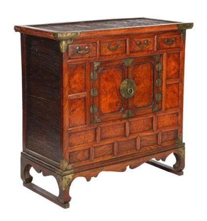 Chinese cabinet & nbsp; made of several types of wood, with 4 drawers, 2 doors, & nbsp; and &