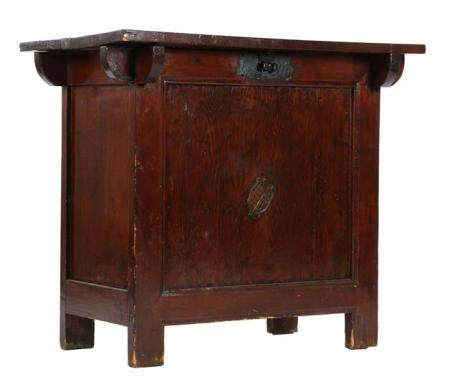 Chinese wooden box with lid 74.5 cm high, 85 cm wide, 51 cm deep