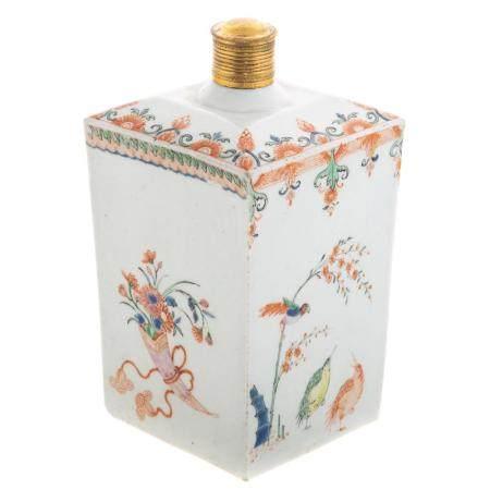 Chinese Kakiemon Paneled Bottle