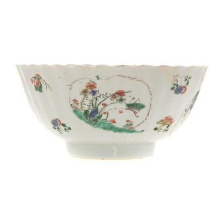 Chinese Export Famille Verte Scalloped Bowl