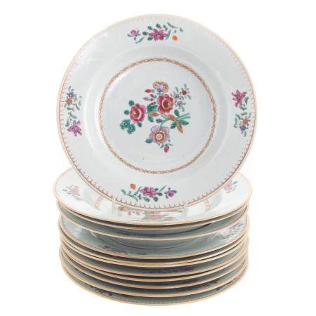 12 Chinese Export Famille Rose Plates