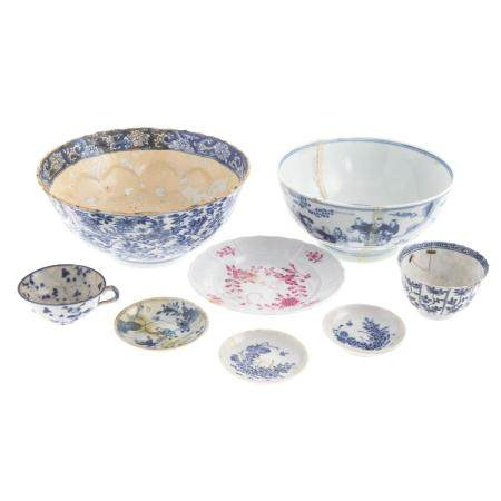 Six Chinese Export Blue/White Table Articles
