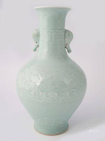 CHINESE CELADON-GLAZED BOTTLE VASE