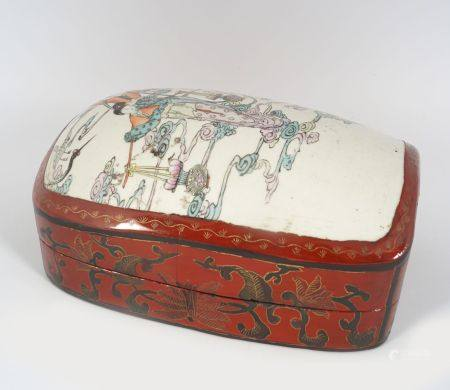 CHINESE QING LACQUERED AND PORCELAIN BOX