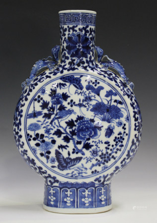 A Chinese blue and white porcelain moon flask, late 19th century, painted with opposing panels of