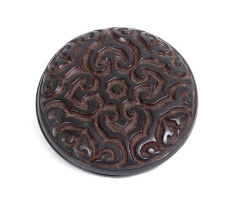 Boîte à encens / boîte à encre de sceau (kōgo) laquée et sculptée, de couleur [...]