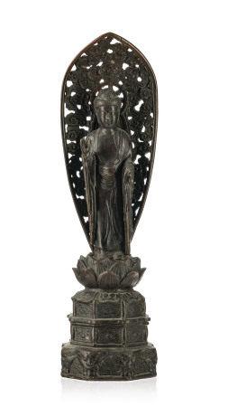 Amida Nyorai, sculpture en bronze, Japon, XXe s., debout sur un piédestal à degrés [...]