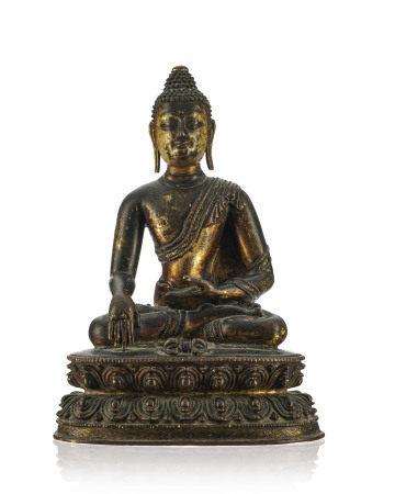 Bouddha Vajrasana assis, sculpture en alliage cuivreux, Tibet, assis sur un [...]