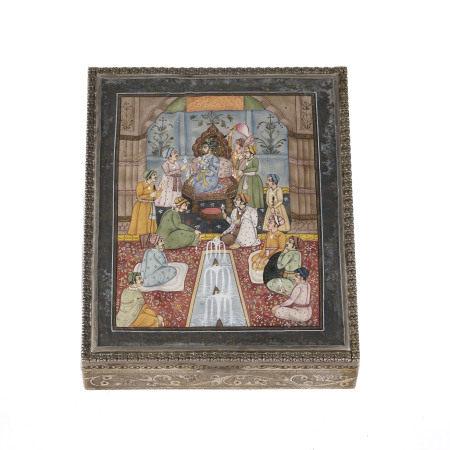 Boîte en argent au couvercle orné d'une miniature représentant Shah Jahan recevant [...]