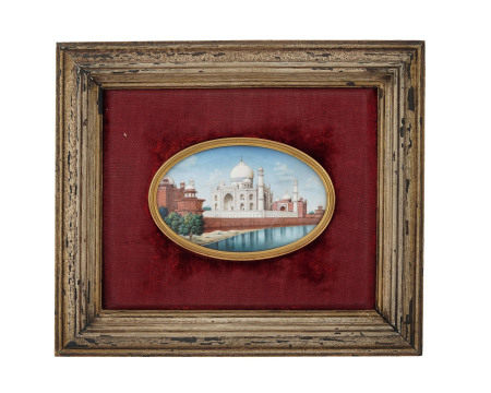 Vue du Taj Mahal, peinture sur ivoire, école de Delhi, Inde, XIXe s., 29x25 cm (hors [...]