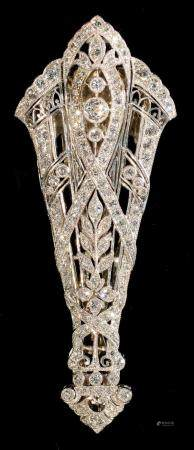 AN ART DECO DIAMOND CLIP, C1930  millegrain set in platinum and white gold, 60mm, 11.8g, case signed