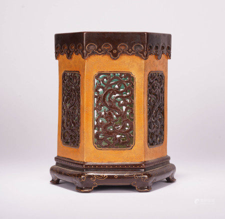 A CHINESE CARVED PORCELAIN DRAGON PATTERN HEXAGONAL BRUSH POT
