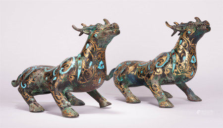 A PAIR OF CHINESE PAINTING GOLD AND SILVER AUSPICIOUS BEAST MAT WEIGHT