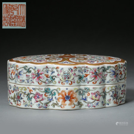 ANCIENT CHINESE FAMILLE ROSE BOX, FLOWER PATTERN