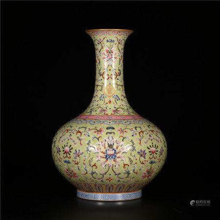 Jiaqing of Qing Dynasty            Pastel bottle