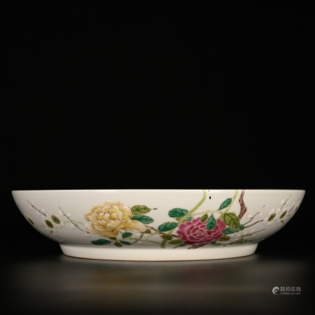 Yongzheng of Qing Dynasty            Pink flower and bird porcelain plate