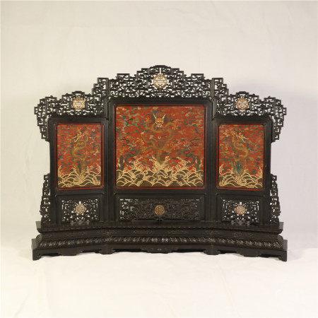 Red sandalwood screen ornaments