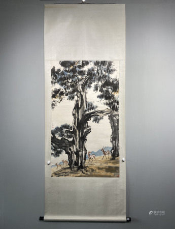 A CHINESE HAND PAINTED PAINTING VERTICAL SCROLL