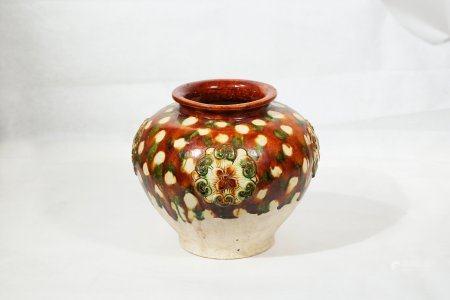 A Sancai Porcelain Pot
