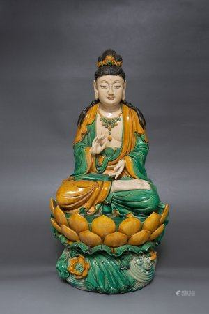 A Sancai Porcelain Guanyin Statue,Ming Dynasty
