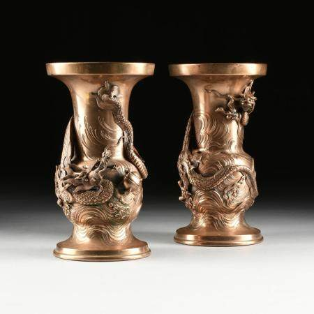 """A PAIR OF JAPANESE """"DRAGON"""" BRONZE VASES, SIGNED, MEIJI PERI"""