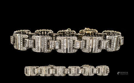 18ct White Gold Superb Diamond Set Bracelet - Expensive Setting. Set with baguette and round