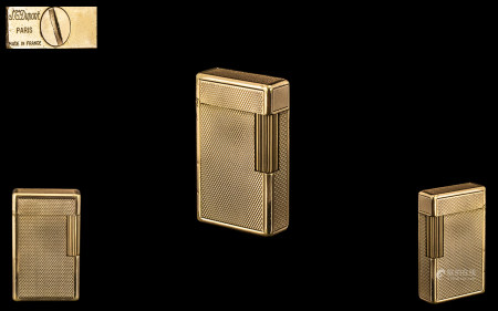 S. T. Dupont, Paris, Stylish Quality Diamond Pattern Gold Plated Lighter. From the 1960s. Serial No.