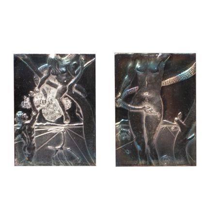 Salvador Dalí (Figueres, Girona, 1904-1989) Génesis. Pareja de placas en plata con [...]