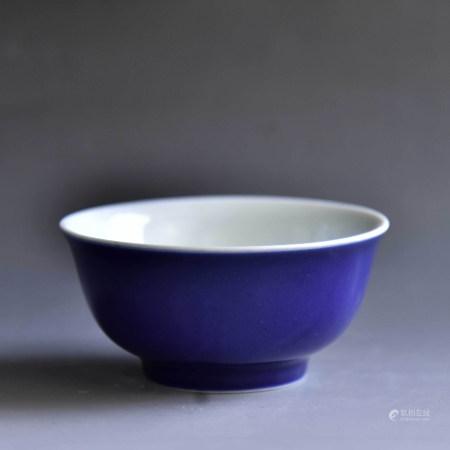 清 霁蓝釉碗