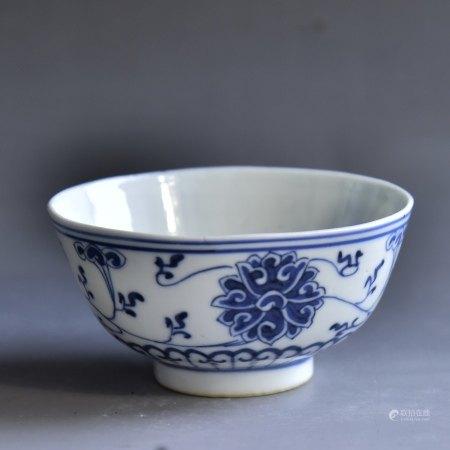 清 青花缠枝莲纹碗