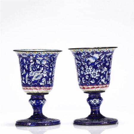 清 铜胎画珐琅蓝地多彩寿桃花卉纹高足杯一对
